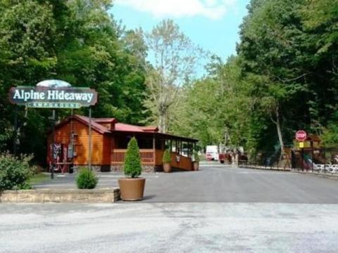Alpine Hideaway Campground, Pigeon Forge, TN | Cabins, RV Rentals!