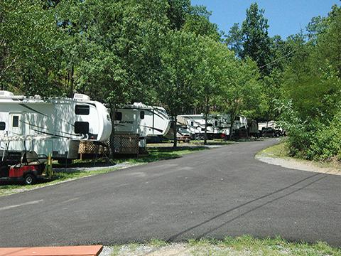 Alpine Hideaway Campground, Pigeon Forge, TN | Cabins, RV Rentals!