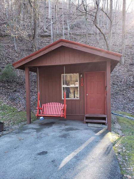 Alpine Hideaway Campground - Cabin 10 Exterior
