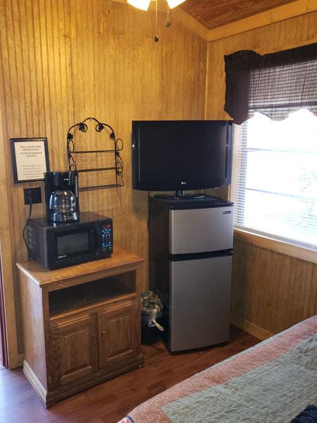 Alpine Hideaway Campground - Cabin 4 Appliances