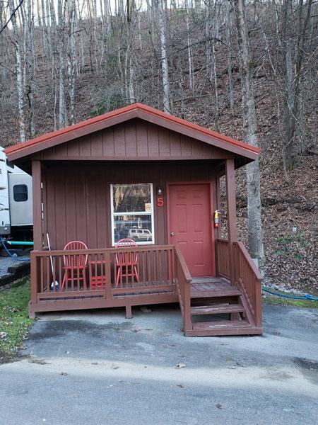 Alpine Hideaway Campground - Cabin 5 Exterior