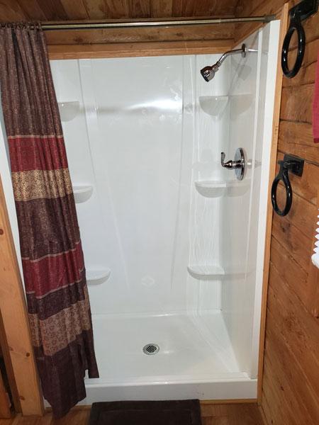Alpine Hideaway Campground - Cabin 78 Shower