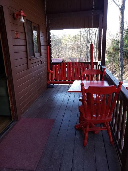 Alpine Hideaway Campground - Cabin 80 Porch